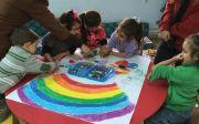 시리아 난민촌 어린이들과 함께하는 미술 교육.