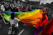 동성애 퍼레이드.